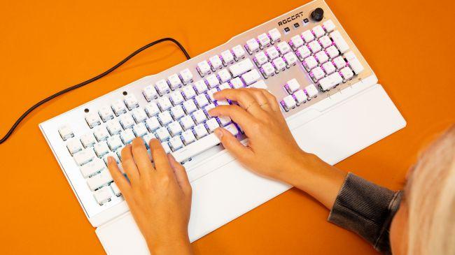 机械键盘轴体平板安装与PCB安装的区别