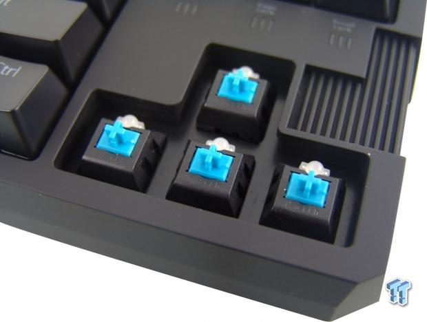 rosewill_rgb80_mechanical_16_8m_color_backlit_gaming_keyboard_review_23
