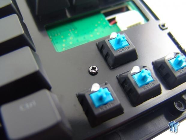 tt_esports_poseidon_zx_illuminated_mechanical_gaming_keyboard_review_23