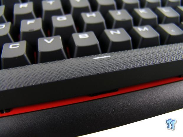 corsair-gaming-strafe-mechanical-keyboard-review_15
