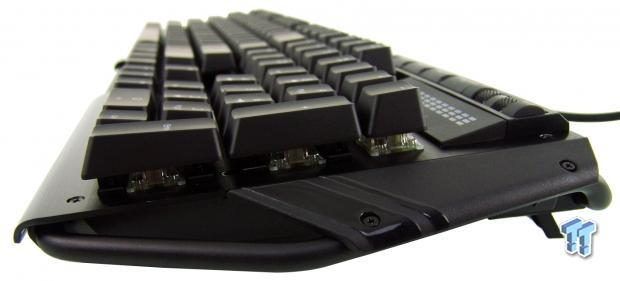 skill-ripjaws-km780-rgb-mechanical-gaming-keyboard-review_18