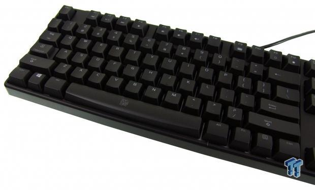 tt-esports-poseidon-rgb-mechanical-gaming-keyboard-review_09
