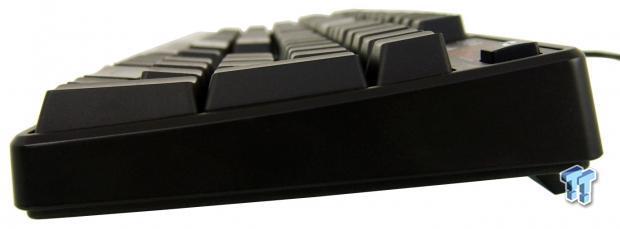 tt-esports-poseidon-rgb-mechanical-gaming-keyboard-review_16