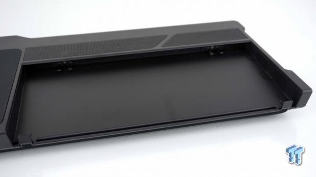 corsair-k63-wireless-gaming-lapboard-review_10