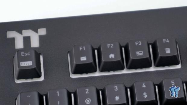 thermaltake-premium-x1-rgb-mechanical-gaming-keyboard-review_12