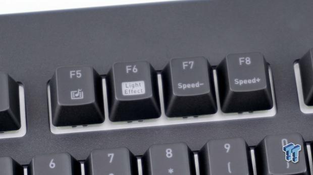 thermaltake-premium-x1-rgb-mechanical-gaming-keyboard-review_13