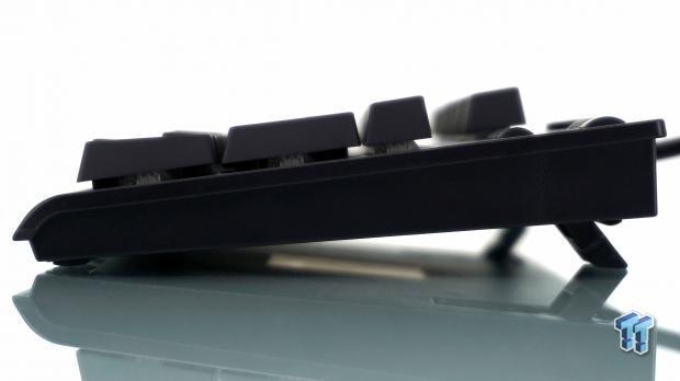 thermaltake-premium-x1-rgb-mechanical-gaming-keyboard-review_18