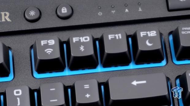 corsair-k63-wireless-mechanical-gaming-keyboard-review_14