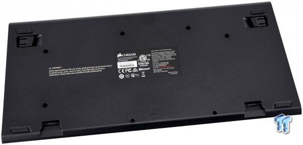 corsair-k63-wireless-mechanical-gaming-keyboard-review_18