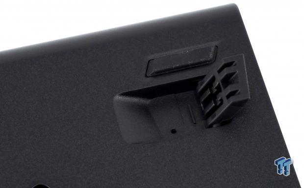 corsair-k63-wireless-mechanical-gaming-keyboard-review_19