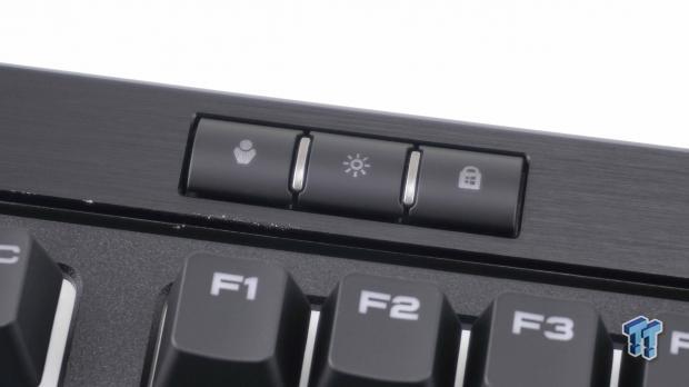 corsair-strafe-rgb-mk-2-mechanical-gaming-keyboard-review_14