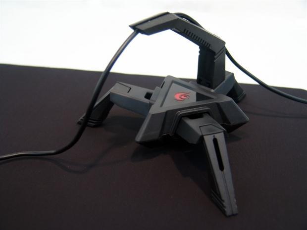 Cooler Master Storm Skorpion Mouse Bungee Review 18 | TweakTown.com